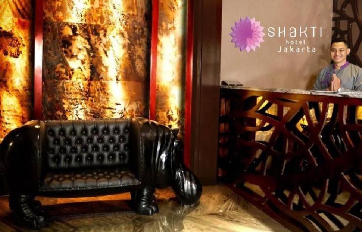 Shakti Hotel Jakarta - receptionis