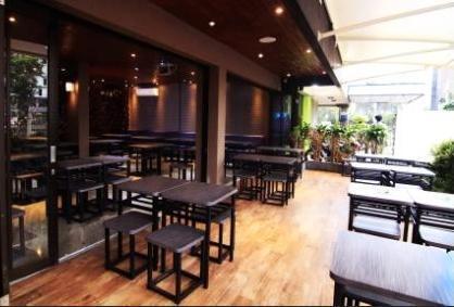 Shakti Hotel Jakarta - Warung Asik 18