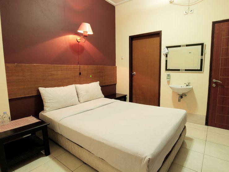 Hotel Sebelas Syariah Bandung - Bedroom