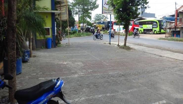 Hasanah Sawojajar Guest House Malang - Area parkir