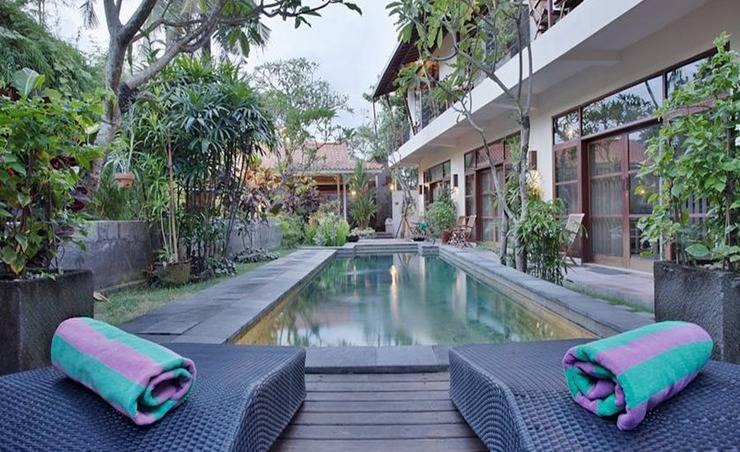 Tinggal Standard Jalan Kunti II Seminyak Bali - Kolam Renang