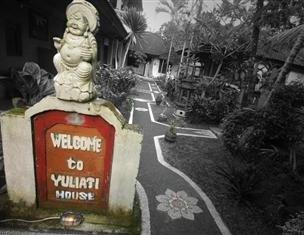 Yuliati House Bali - Tampilan Luar