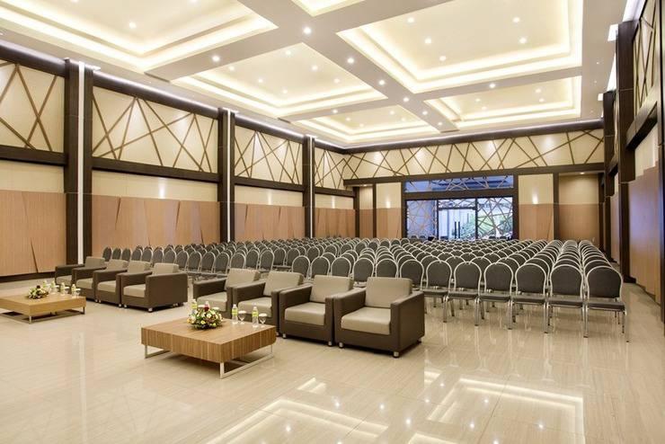 MaxOneHotels Sukabumi - Ballroom