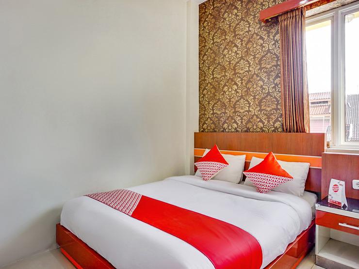 OYO 3157 Grand City Inn Makassar - Standard Double Bedroom