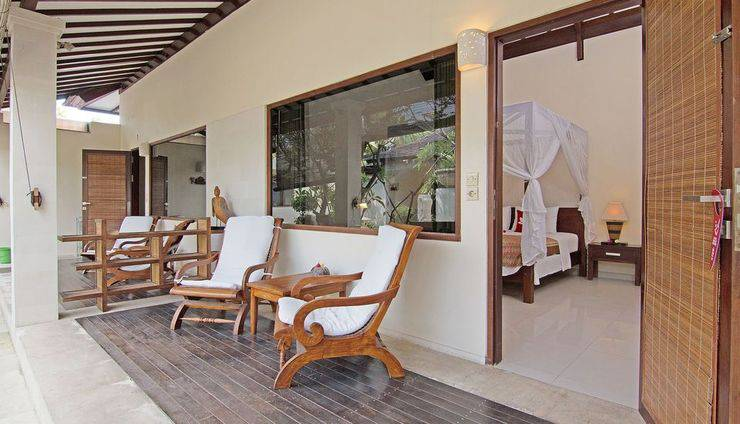 ZenRooms Lovina Sea Shores Bali - Teras
