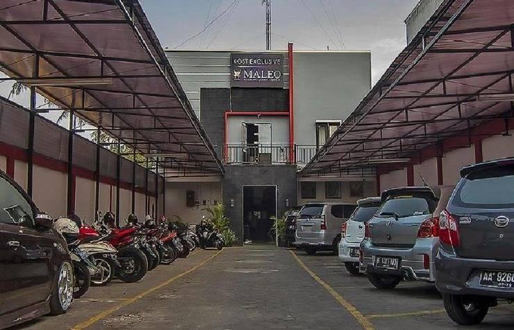 Maleo Kostel Cempaka Putih Jogja - area parkir