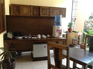 Larasati Guest House Yogyakarta - Dapur