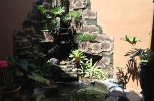 Larasati Guest House Yogyakarta - Taman