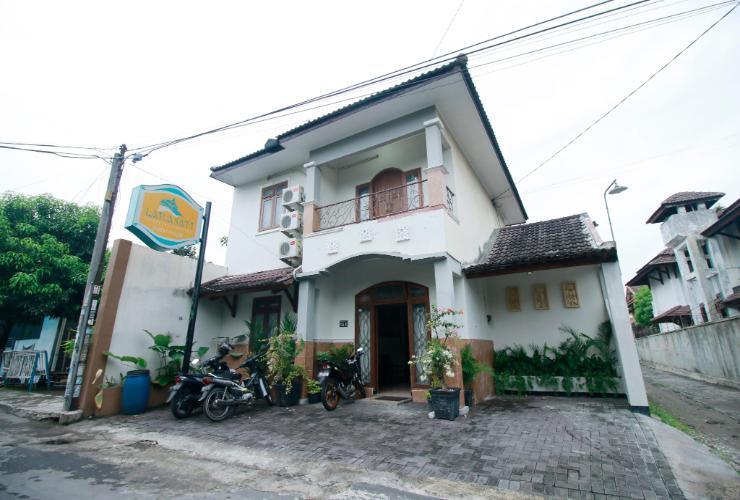 Larasati Guest House Yogyakarta - Appearance