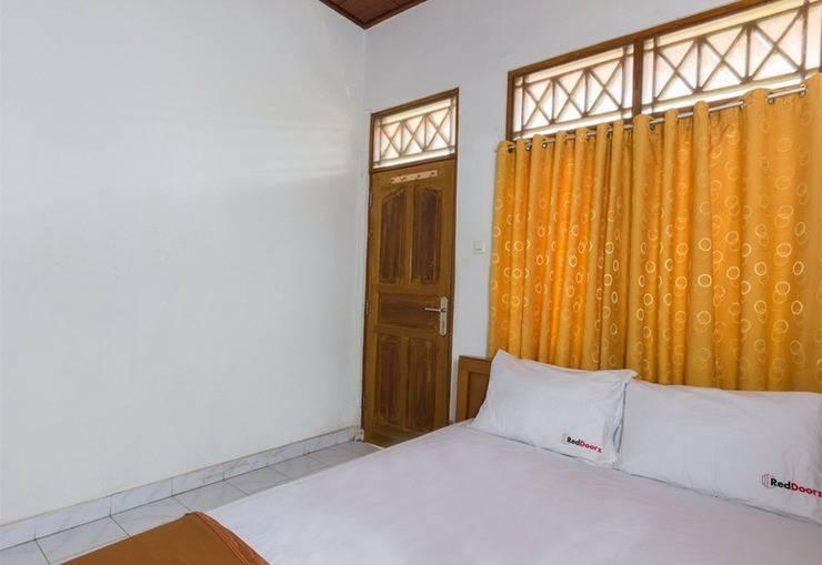 RedDoorz @Raya Kubu Anyar Bali - Kamar tamu