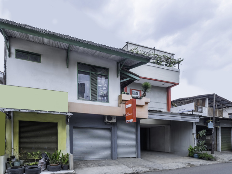 OYO 1577 Onic Residence Bandung - Facade