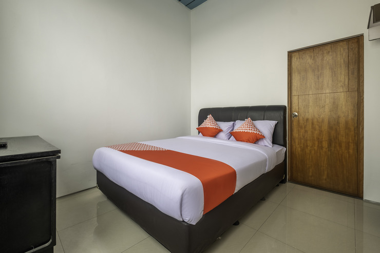 OYO 1577 Onic Residence Bandung - Bedroom