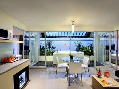 HARRIS Hotel Kuta - HARRIS Sunset Suite