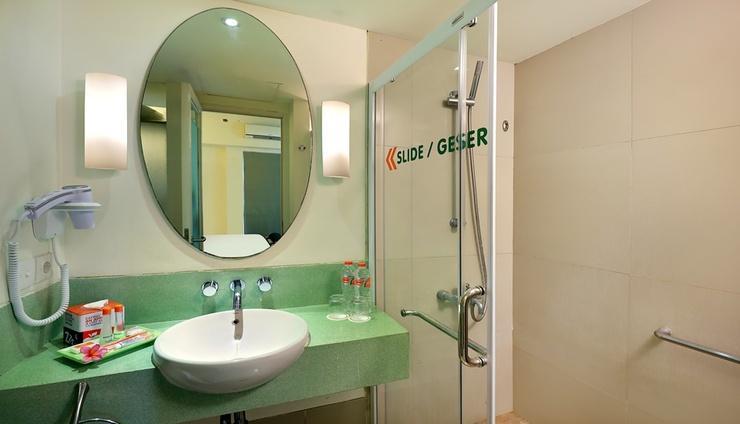 HARRIS Hotel Kuta - Toilet