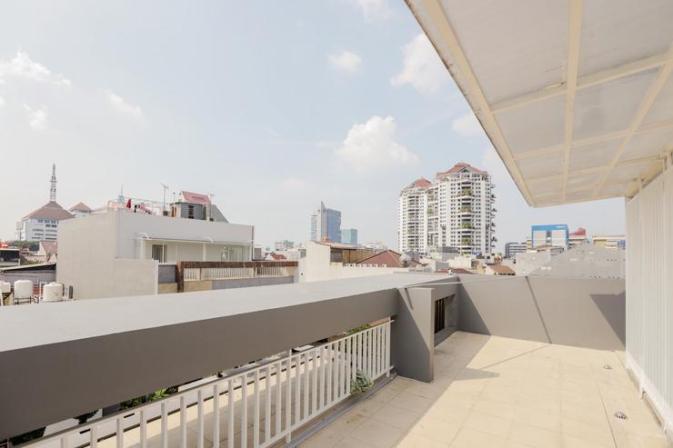 OYO 333 JJ Sweet Residence Jakarta - Surrounding Area