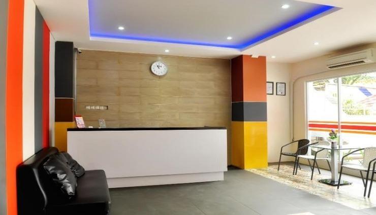 Hotel Mongonsidi Padang - Lobby