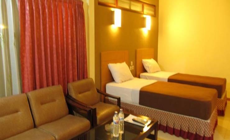 Hotel Lestari Jember - Guest room