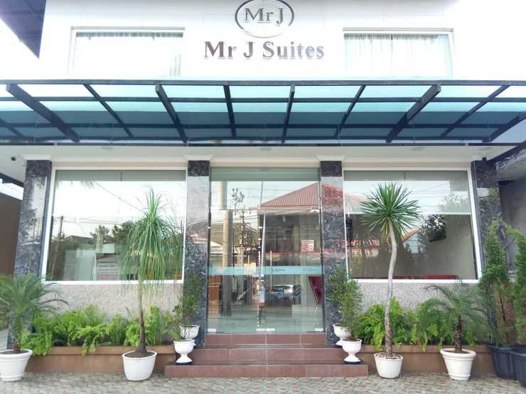 Mr. J Suites Tegal - Exterior