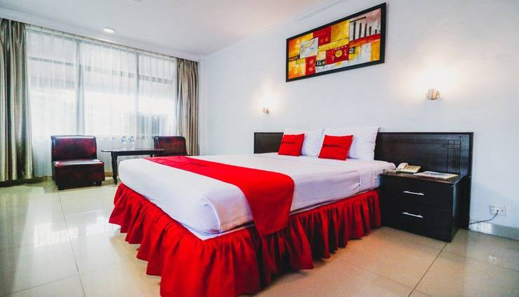 RedDoorz Plus near Mall Ratu Indah 2 Makassar - Room