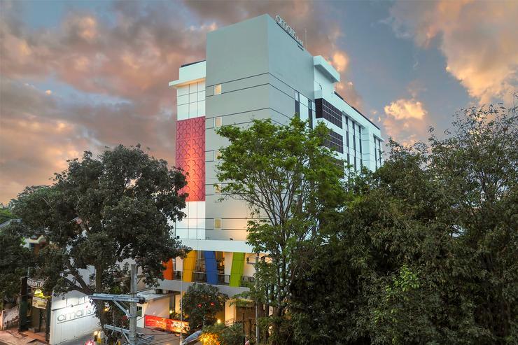 Amaris Hotel Sriwedari Solo - Facade