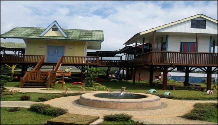 Wisata Edukasi and Resort Kebun Pak Budi Pasuruan - exterior