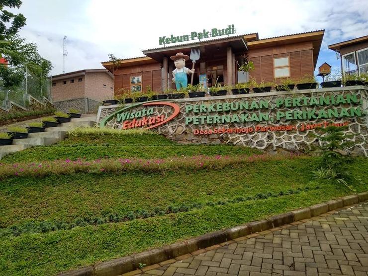 Wisata Edukasi and Resort Kebun Pak Budi Pasuruan - view