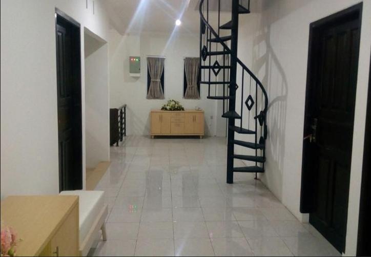 Sapadia Guesthouse & Restaurant Ciwidey Bandung - Lobby