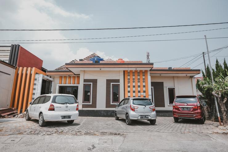 RedDoorz Syariah near Mall Boemi Kedaton Lampung 2 Bandar Lampung - Photo