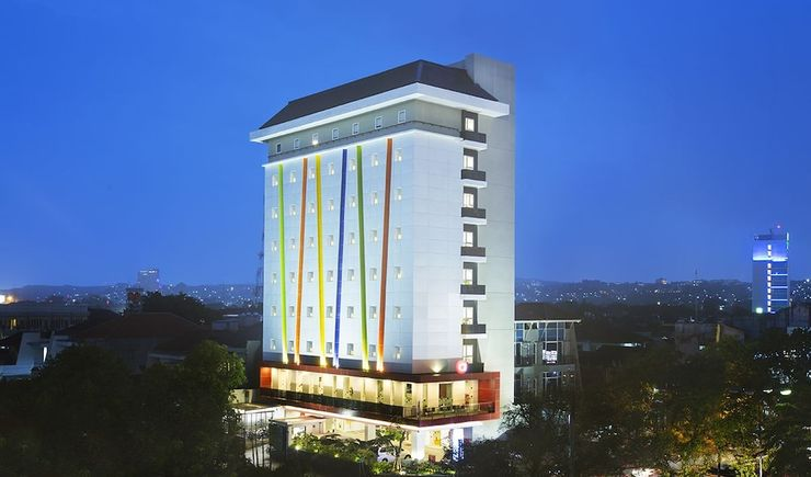 Amaris Hotel Simpang Lima Semarang - Featured Image