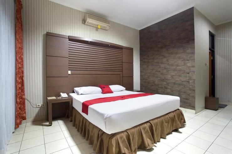 RedDoorz @ Surapati Bandung - Bedroom