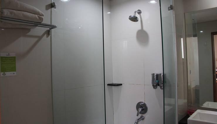 Hotel Namira Syariah Pekalongan - Kamar mandi
