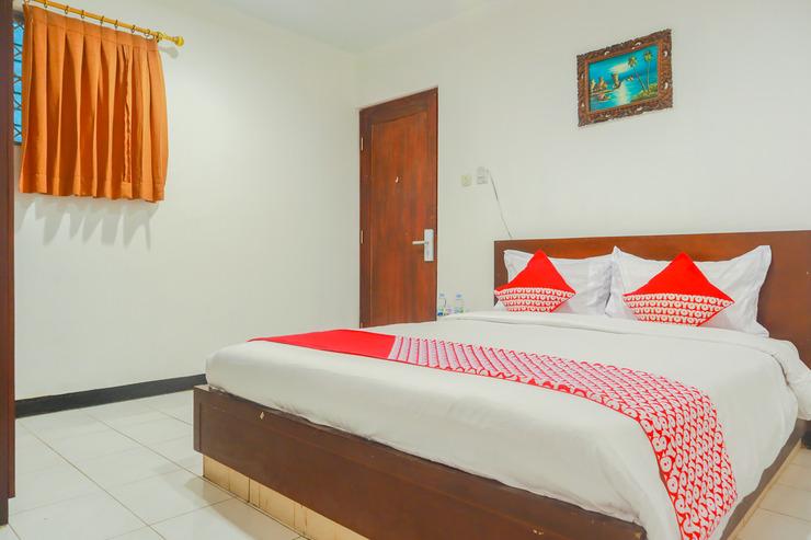OYO Flagship 3563 New Mg Hotel Near RSUD Sawah Besar Jakarta - Bedroom S/D