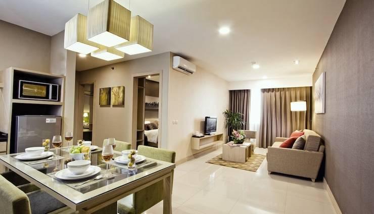 eL Royale Hotel Jakarta - Suite Dining Room