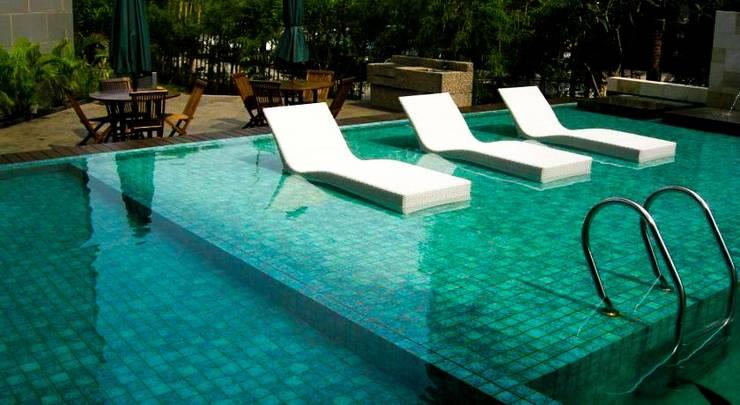 Grand Whiz Kelapa Gading - Swimming Pool