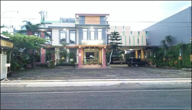 Novon Family Hotel Syariah Malang - exterior