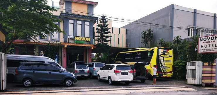 Novon Family Hotel Syariah Malang - Bangunan tampak depan