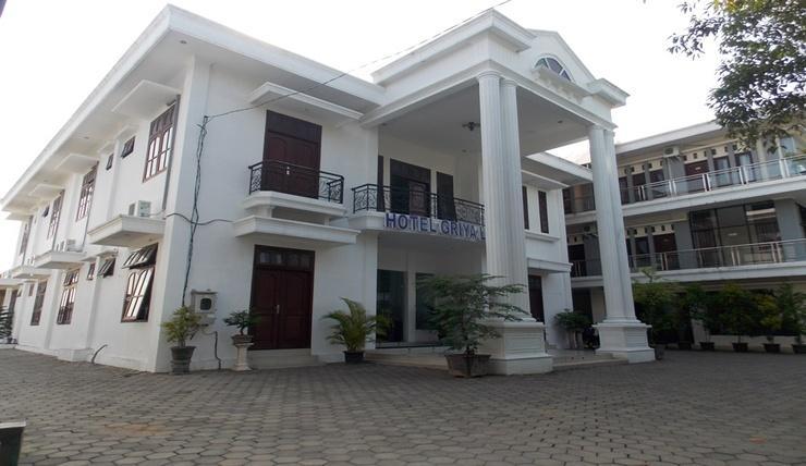 Hotel Griya Lestari Pati - Exterior