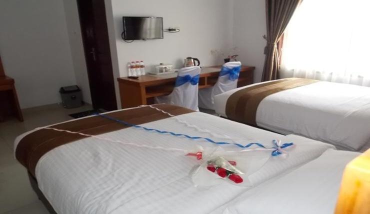 Hotel Griya Lestari Pati - Room
