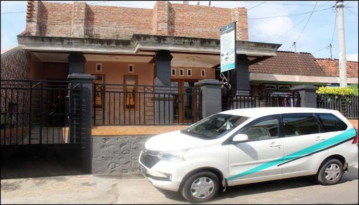 Blue Fire Inn Banyuwangi - exterior