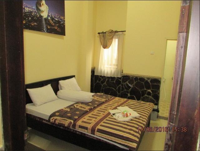 Bunga Matahari Guest House Malang - room standart