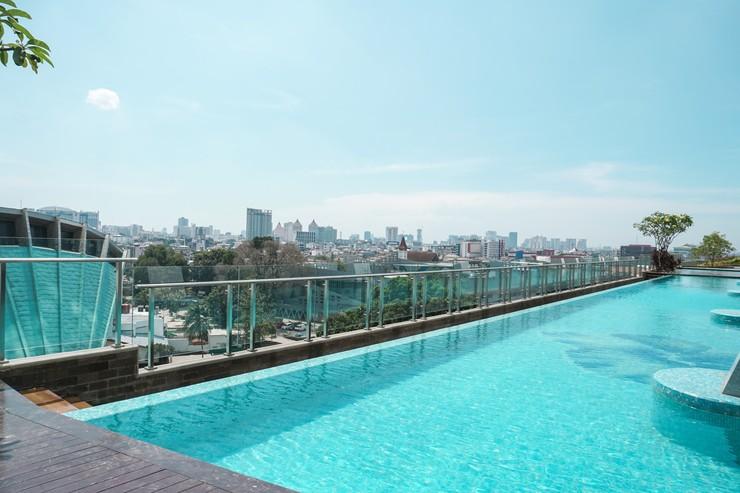 Menteng Park Apartment By Travelio Jakarta - Kolam renang