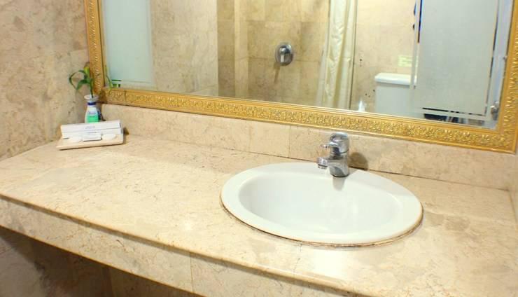 Hotel Imperium Bandung - Bathroom