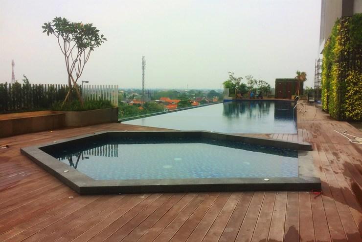 Elegant Studio Apartment at Springwood Residence By Travelio Tangerang - Kolam renang