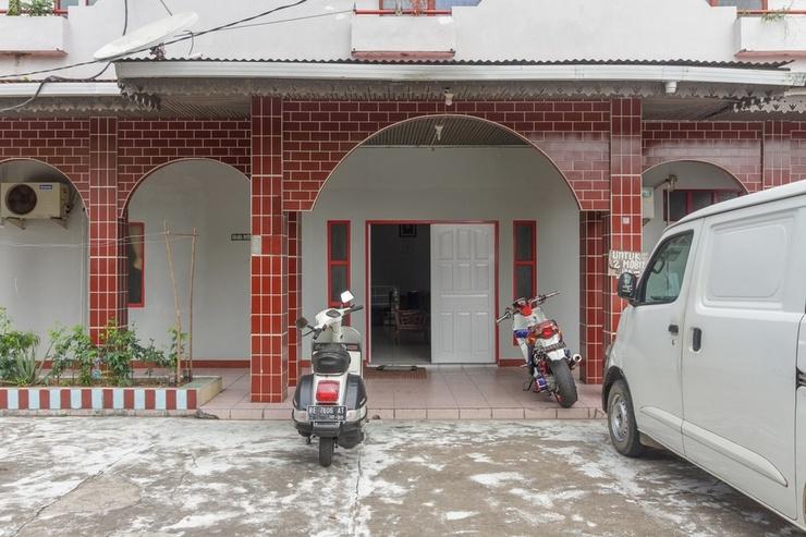 RedDoorz near Ayani Mega Mall Pontianak Pontianak - Exterior