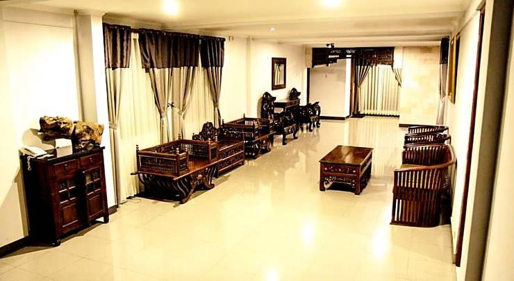 Lotus Hotel Bandung - Ruang Tamu