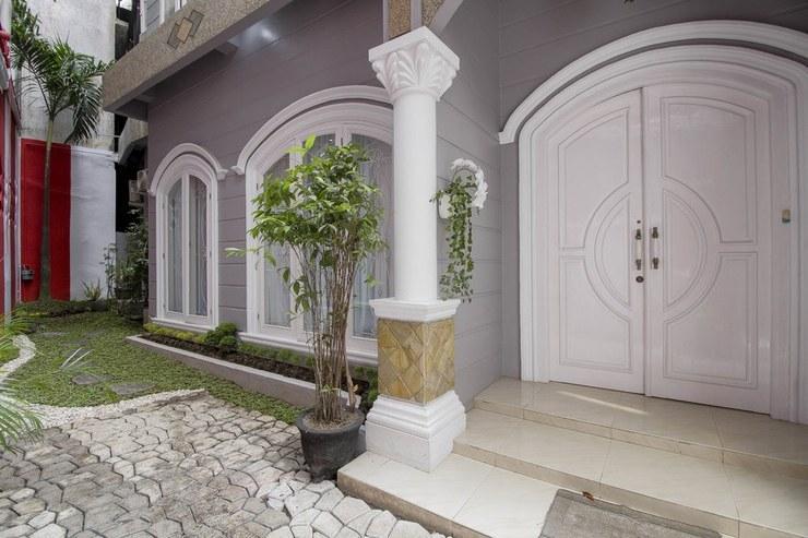 RedDoorz near Grand Palladium  Medan - Exterior