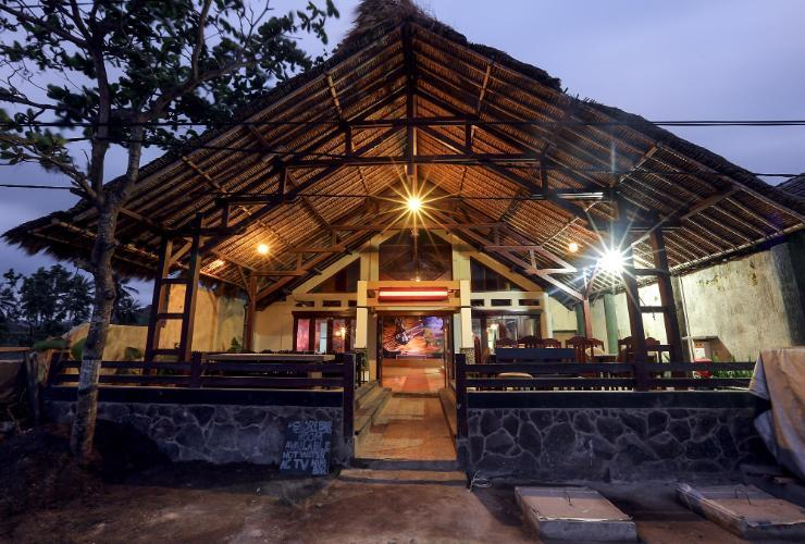 Ladiva Shore Hotel Lombok - Facade