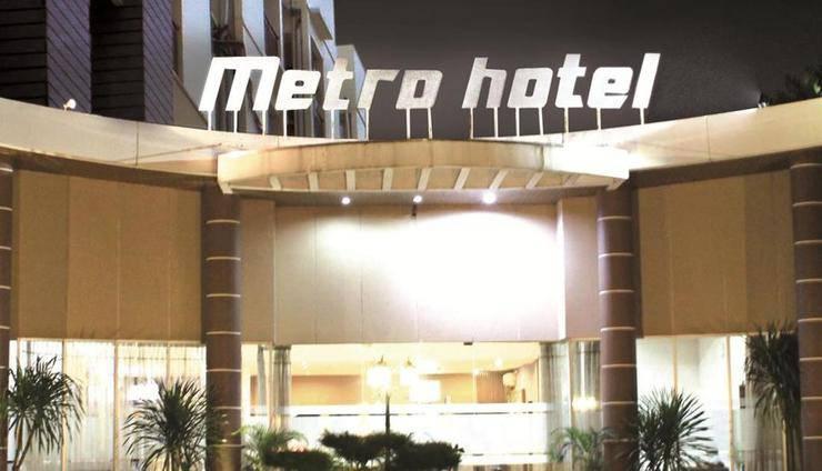 Metro Hotel Cikarang Bekasi - Tampilan Luar Hotel