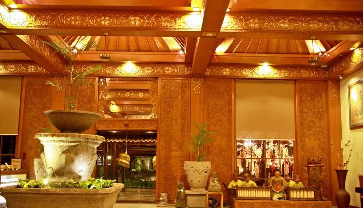 Singgasana Hotel Surabaya - Lobby Area