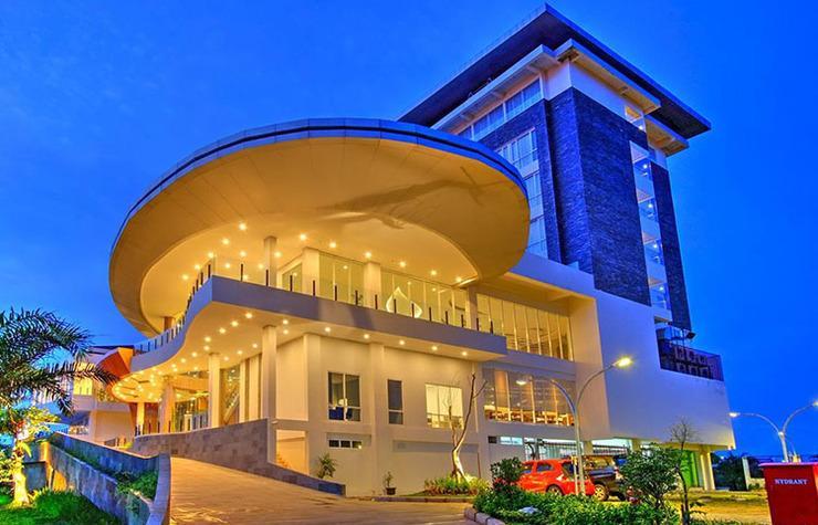 Antero Hotel Jababeka by Prasanthi Bekasi - Hotel Exterior